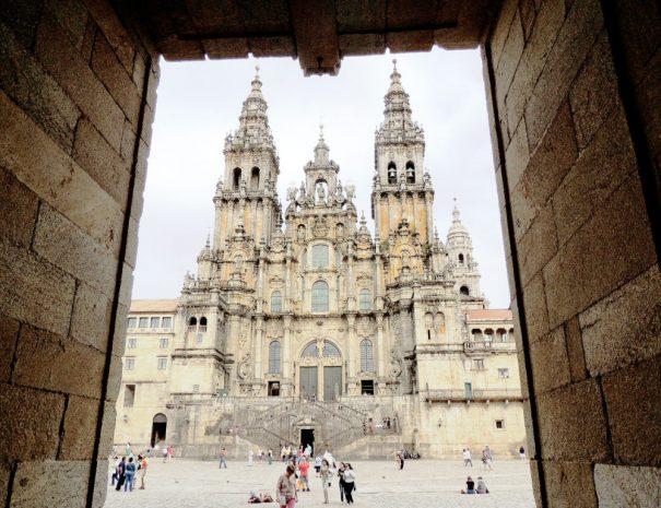 Plaza-del-Obradoiro-Santiago-de-Compostela-1024x768